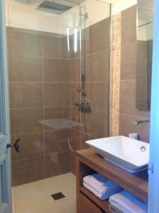 Appartement Les Oliviers - salle d'eau